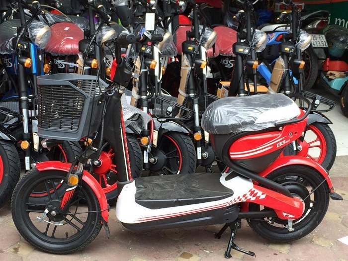 Xe đạp điện Giant M133 Mini đỏ 01