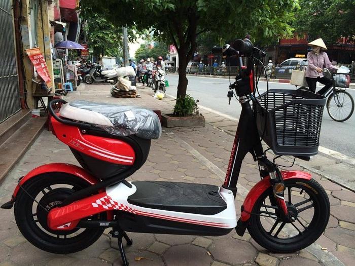 Xe đạp điện Giant M133 Mini đỏ