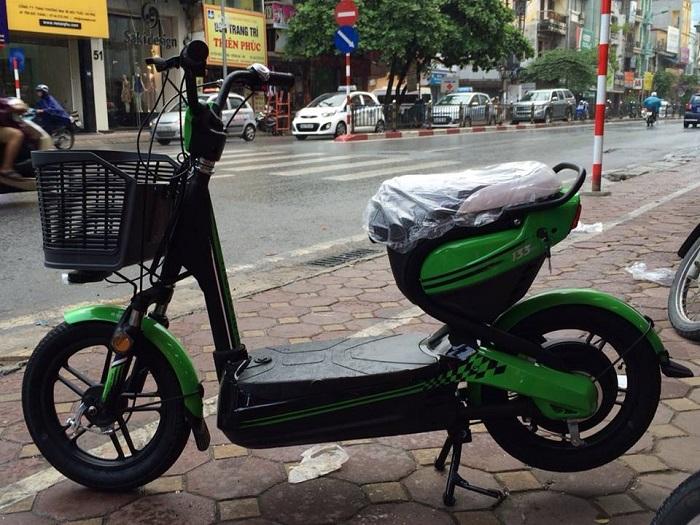 Xe đạp điện Giant M133 Mini xanh lá